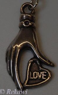 Bedel hand Love